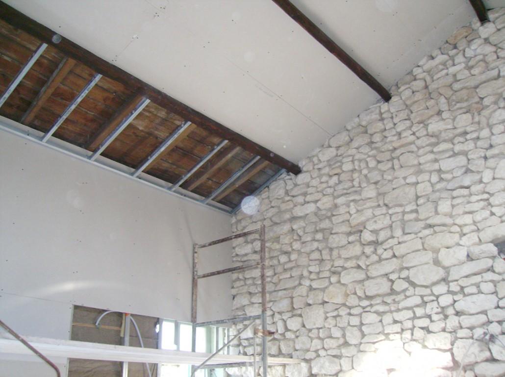Isolation du toit et pierre